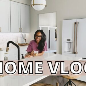 VLOG: Newlywed Life! First Vlog in the New House, Work Day & Clean with Me